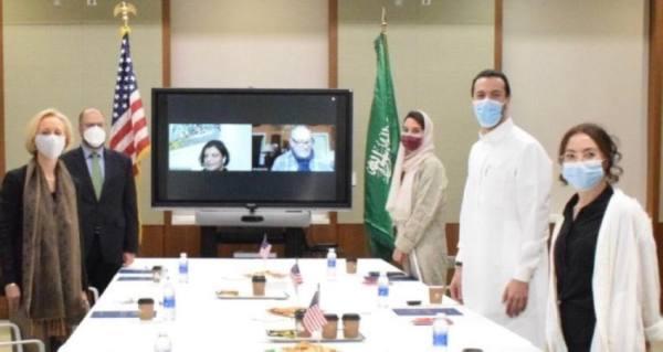 بحث صناعة السينما السعودية.. في لقاء مع سفارة الولايات المتحدة