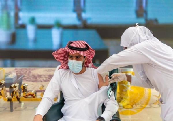 انطلاق حملة التطعيم ضد كورونا لمنسوبي إمارة الباحة