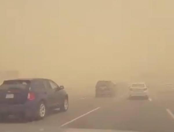 غبار كثيف يغطي عدة مدن وعودة الأجواء الطبيعية لجدة