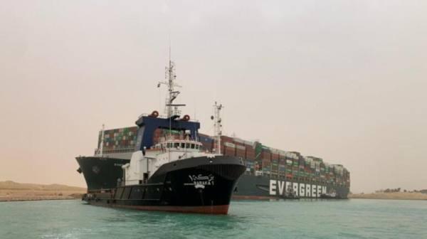 أسعار النفط تصعد أكثر من 3% بعد جنوح سفينة في قناة السويس