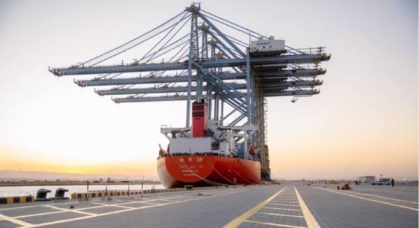 السلطات المصرية تعيد فتح ميناء السخنة أمام حركة الملاحة