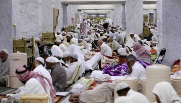 تعليق الاعتكاف والإفطار بالمساجد.. والسماح لمراكز التجارية بالعمل 24 ساعة