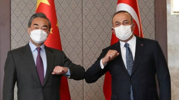 تظاهرة للأويغور في تركيا.. احتجاجا على زيارة وزير الخارجية الصيني