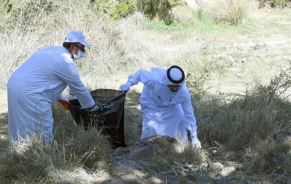 تنظيف الشواطئ والحدائق ضمن أسبوع البيئة في عسير