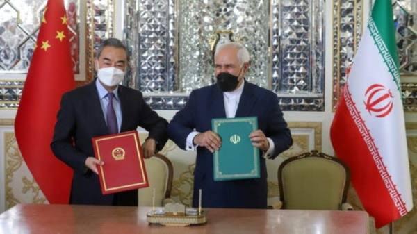 إيران والصين وقعتا اتفاقية تعاون تجاري واستراتيجي لمدة 25 عاما