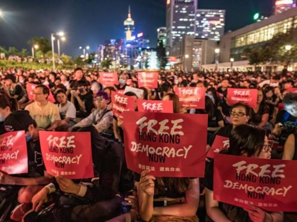 الصين تحكم قبضتها على لنظام هونغ كونغ