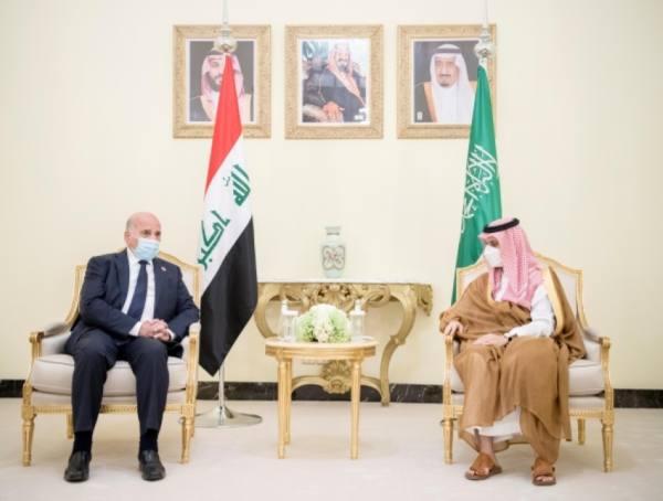 وزير الخارجية يبحث مع نظيره العراقي سبل تعزيز العلاقات