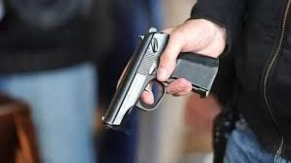 تنفيذ القصاص في قاتل قريبيه بالرصاص في الرياض