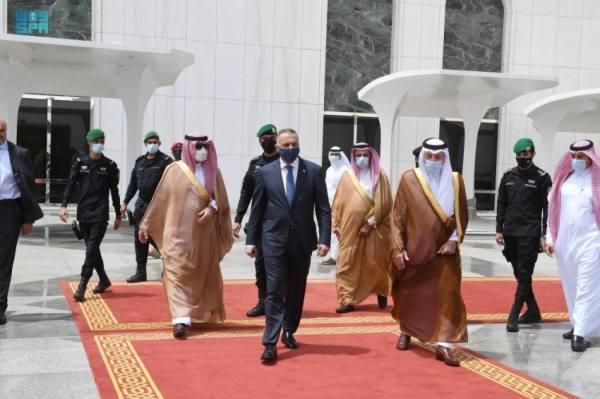 رئيس وزراء العراق يغادر جدة