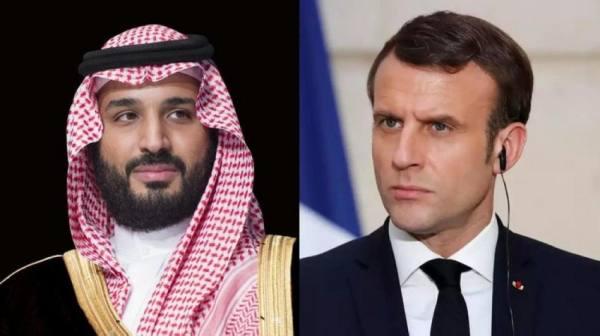 ولي العهد يستعرض مع الرئيس الفرنسي