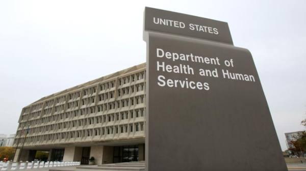الولايات المتحدة تسمح بالسفر دون قيود لمن تلقوا لقاح كوفيد-19