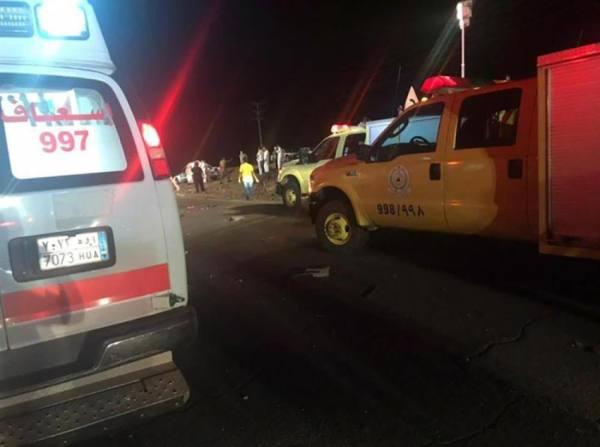مصرع وإصابة 12 شخصاً بحادث تصادم على طريق المدينة - القصيم