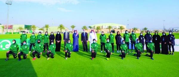 سيدات الرياضة: الأندية مطالبة بالاقتداء بنادي الشباب