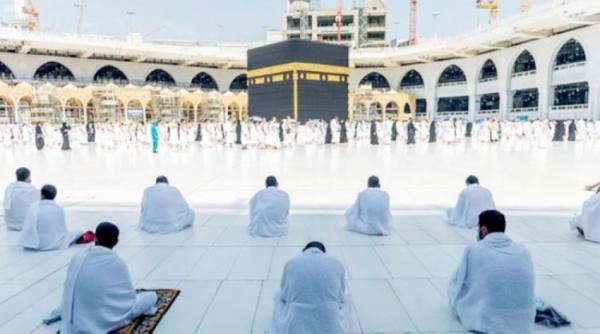 لقاح كورونا شرط لاستقبال المعتمرين والمصلين بالحرم في رمضان