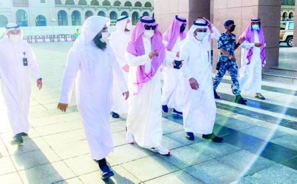 السهلي يتفقد استعدادات المسجد النبوي لرمضان
