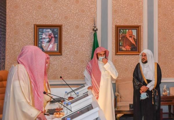 آل الشيخ يطلع على سير تصفيات جائزة الملك سلمان لحفظ القرآن