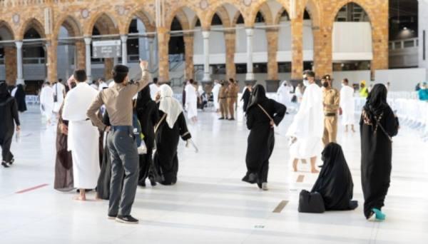 (500) كادر أمني لدعم الخدمات التنظيمية والصحية بالمسجد الحرام