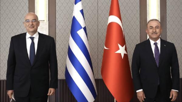 وزيرا خارجية اليونان وتركيا يتبادلان الاتهامات في مؤتمر صحافي شابه التوتر
