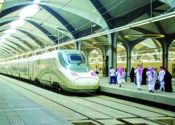 شبان سعوديون لقيادة قطار الحرمين