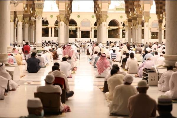 إقامة أول جمعة في رمضان بالمسجد النبوي وسط أجواء روحانية وإجراءات وقائية