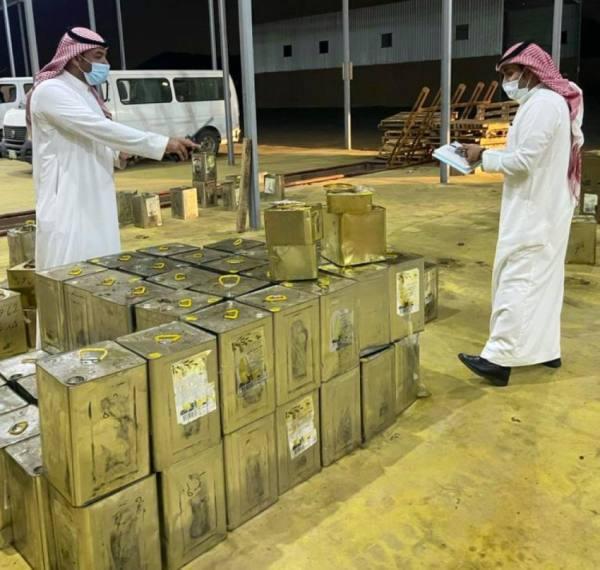 أمانة مكة تضبط موقعاً مخالفاً لتخزين المواد الغذائية ببحرة