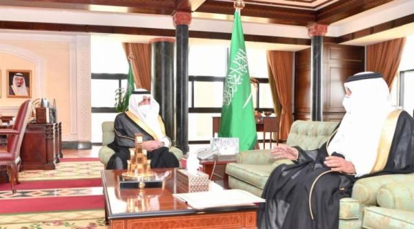 أمير تبوك يطلع على تقرير الاختبارات عن بُعد لمدارس المنطقة