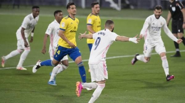 ريال مدريد يثأر من قادش وينقض على صدارة
