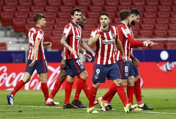 بعد تغلبه على هويسكا ينفرد أتلتيكو مدريد بصدارة الدوري