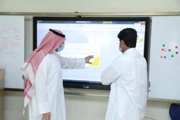 800 طالب ينهون برنامج موهبة الاثرائي  لما بعد المدرسة 2021