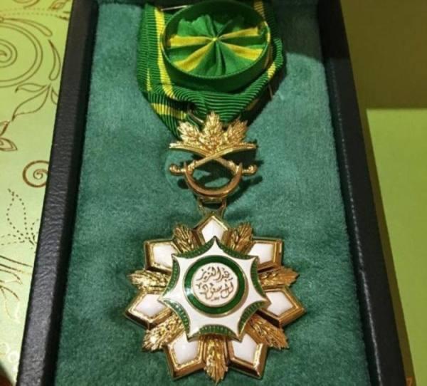 منح 5 مواطنين وسام الملك عبدالعزيز من الدرجة الثالثة لتبرعهم بالأعضاء