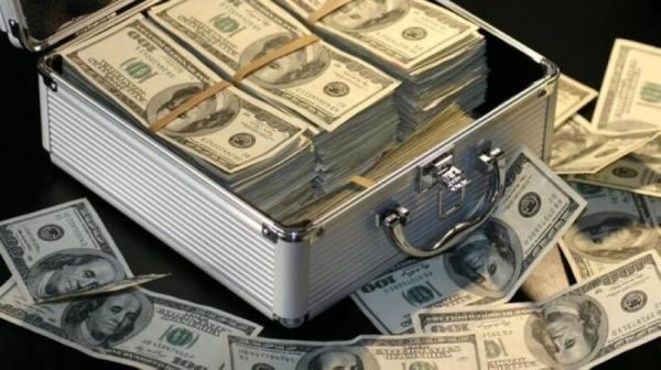 «تسعينية» تخسر 247 مليون دولار بسبب هاتف