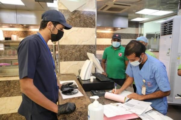 العمران تغلق 19 منشأة وترصد 14 مخالفة للاحترازات في أسبوع