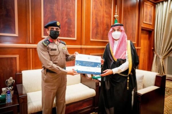 نائب أمير حائل يتسلم تقرير إنجازات الدفاع المدني بالمنطقة