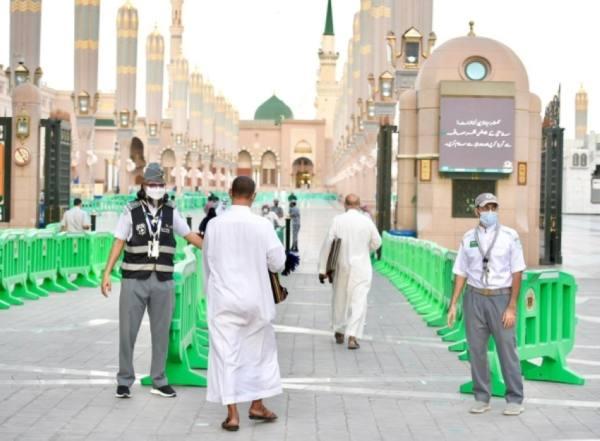 العمل التطوعي بالمسجد النبوي.. عطاء من أجل الوطن