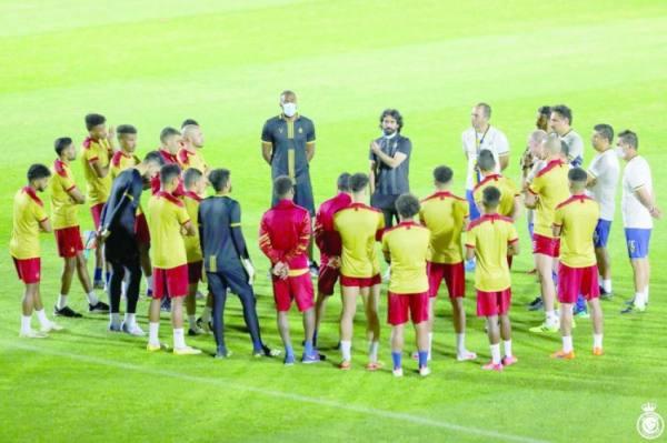 عبدالغني يحفز لاعبي النصر قبل مواجهة السد