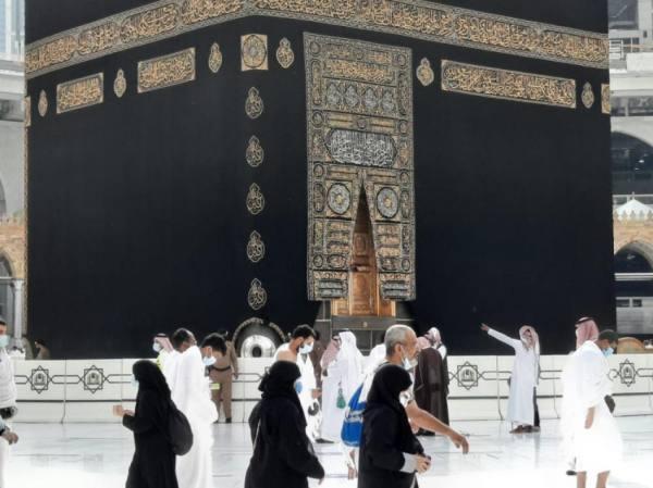 ترجمة خطبة الجمعة في مصليات النساء بالمسجد الحرام