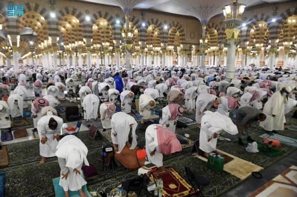 رئاسة الحرمين تولي كل عنايتها واهتمامها بقاصدي المسجد النبوي في أول ليالي العشر الأواخر من رمضان
