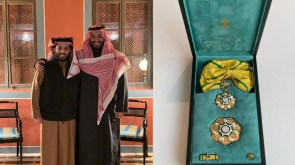 تركي آل الشيخ يحصل على وسام الملك عبدالعزيز