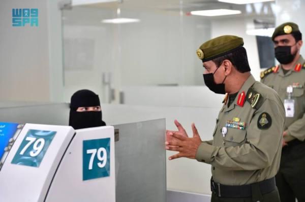 مدير جوازات الرياض يقف على الاستعدادات بمطار الملك خالد الدولي