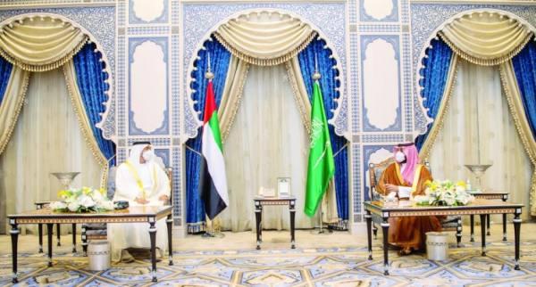 ولي العهد يبحث مع محمد بن زايد العلاقات الثنائية بين البلدين