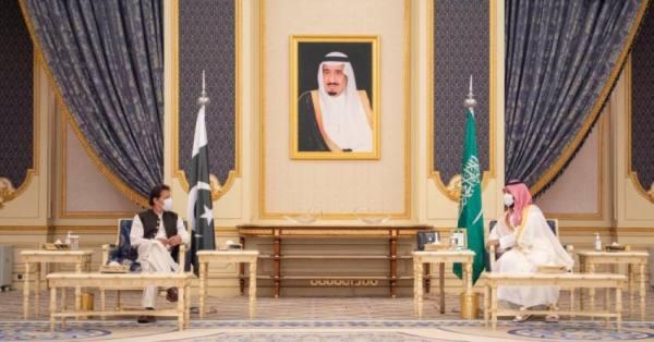 المملكة وباكستان: تعزيز العلاقات الثنائية ودعم الحل السياسي باليمن