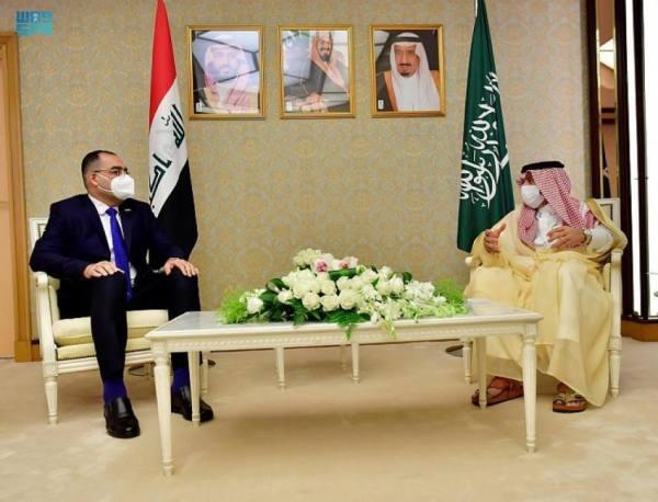القصبي يبحث مع مسؤول عراقي تطوير التعاون الإعلامي