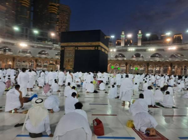 أجواء روحانية فى صلاة المغرب ليلة ختم القرآن بالحرم المكي