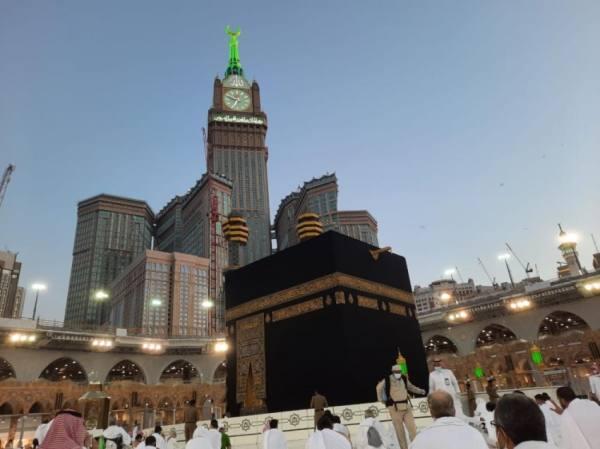 السديس: نجاح خطة ليلة ختم القرآن وتوزيع 400 ألف عبوة زمزم