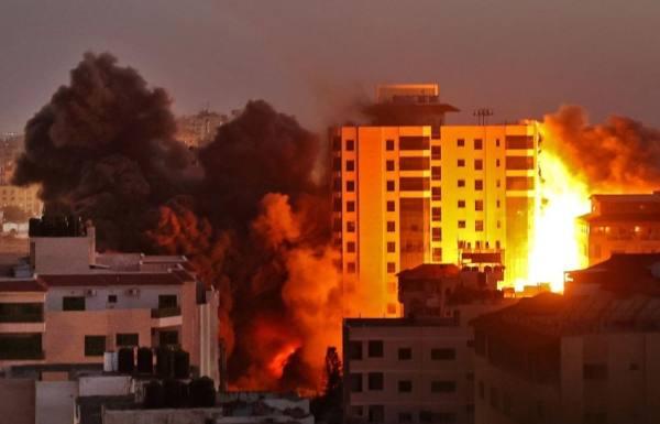 طيران الاحتلال الإسرائيلي يواصل استهداف عدد من المواقع في قطاع غزة