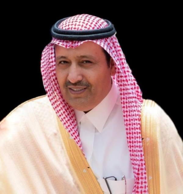أمير الباحة يتكفل بعلاج طفل يعاني شللاً دماغياً