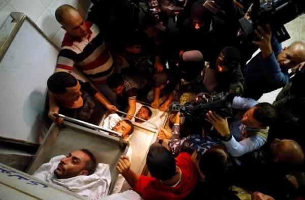 الصحة الفلسطينية: عدد من الفلسطينيين استشهدوا باستنشاقهم الغاز السام من القصف الإسرائيلي