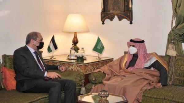 وزير الخارجية يناقش مع نظيره الأردني تطورات الأوضاع في المنطقة