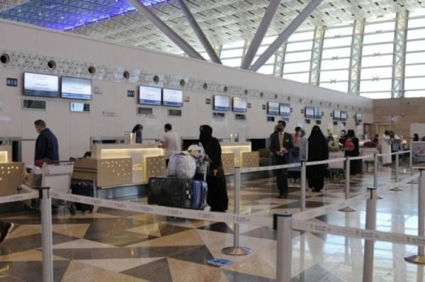 رفع قيود السفر يزيد الإقبال على السياحة الخارجية 20%