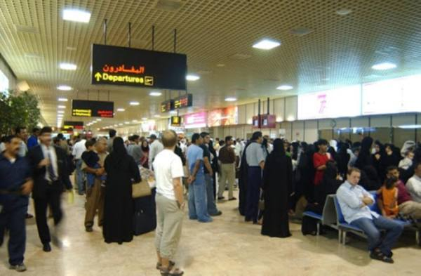 البحرين تعلق دخول القادمين من 5 دول